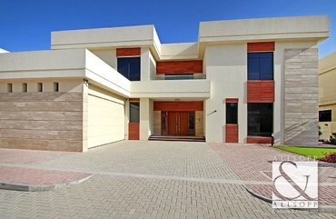 Villa for sale in Palm Jumeirah, Dubai
